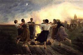 Résultat d'images pour images procession avec flambeaux chez les celtes
