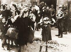 Résultat d'images pour ghetto de varsovie