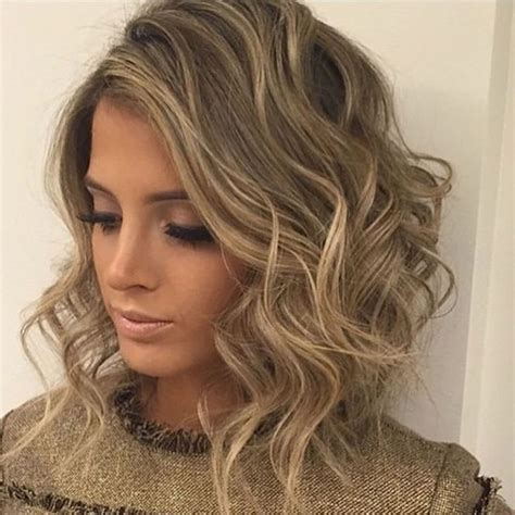 CURLY WAVY SHORT HAIRSTYLES AND HAIRCUTS FOR LADIES