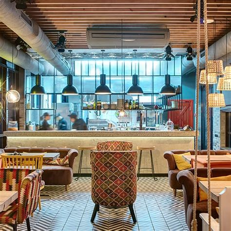 the essential guide to restaurant color schemes