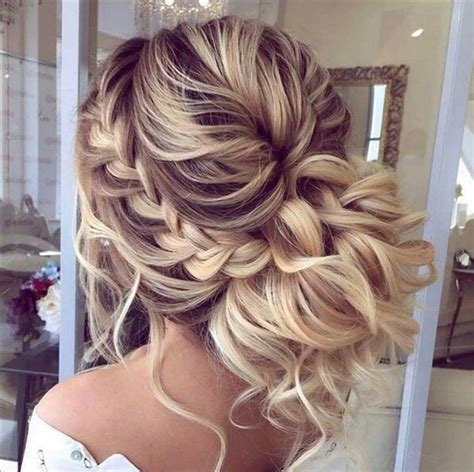 SWEET HAIRSTYLES IN UNIQUE WEDDING HAIRSTYLES
