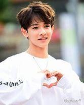 Résultat d'images pour samuel kim kpop