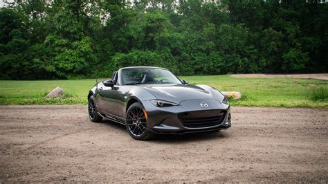 BEST AFFORDABLE SPORTS CARS IN ROADSHOW