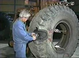 大型タイヤ に対する画像結果