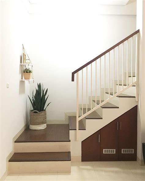 tangga beton rumah minimalis di rumah minimalis
