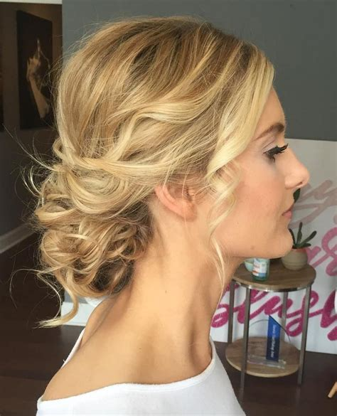 updos for thin hair that score maximum style point