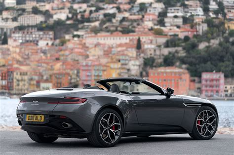 ASTON MARTIN DB VOLANTE FIRST DRIVE REVIEW