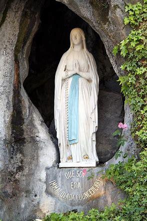 Risultato immagine per Madonna di Lourdes