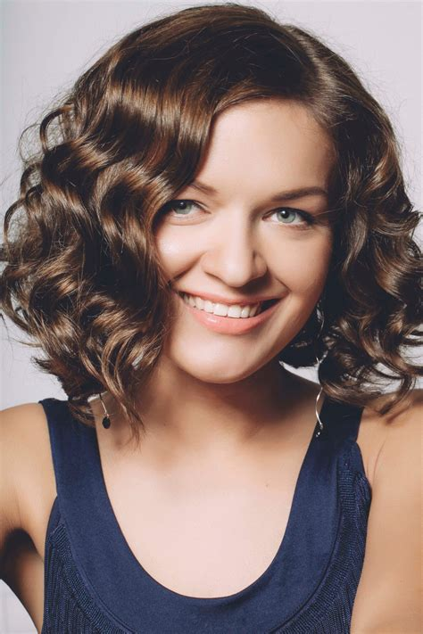 haircuts for thick wavy hair head turning hairstyles