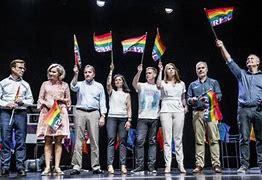Bildresultat för pride flagga hos partiledarna
