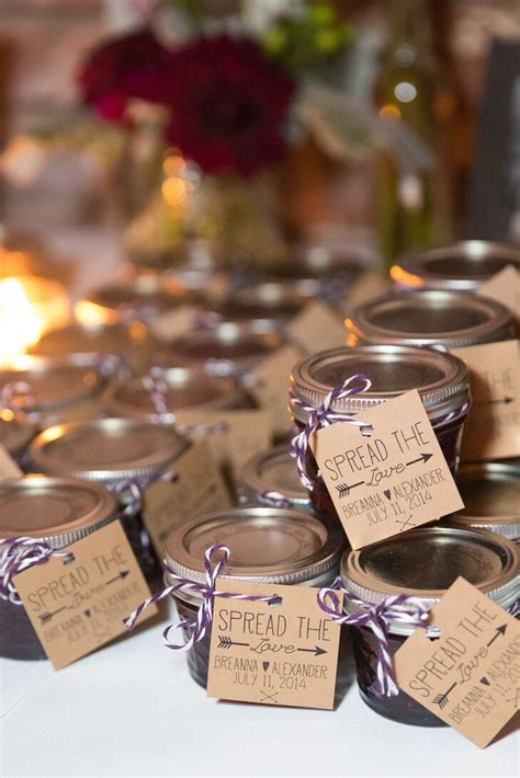 spread the love jam wedding favors