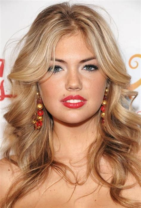 CHARMING MESSY HAIRSTYLES FOR LONG HAIR