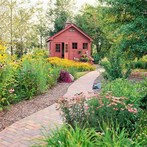 create a wild habitat in the garden interior design
