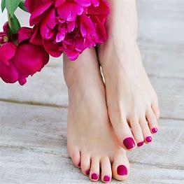 Résultat d'images pour soins des pieds  femmes