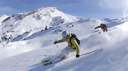 Risultato immagine per foto invernali con sci