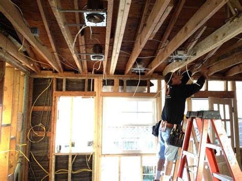 signs you should replace home electrical wiring