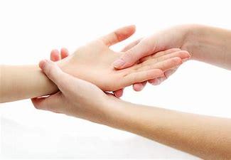 Résultat d'images pour photo massage des mains