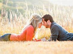 Resultado de imagem para imagem de casal sorrindo