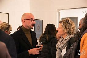 Résultat d'images pour images ,illustrations '' vernissage d'expositions''