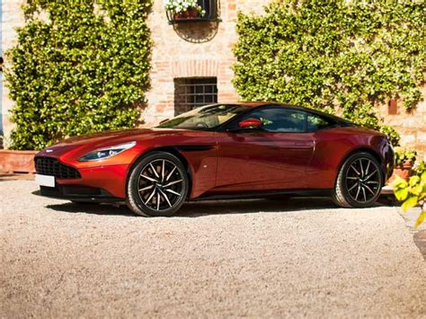 ASTON MARTIN DB READ OWNER AND EXPERT REVIEWS