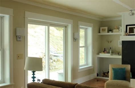 BEHR S SANDSTONE COVE PINNER SAYS IT CHANGES FROM BEIGE