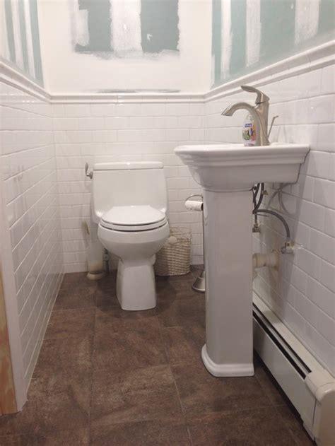 paint color white tile bathroom