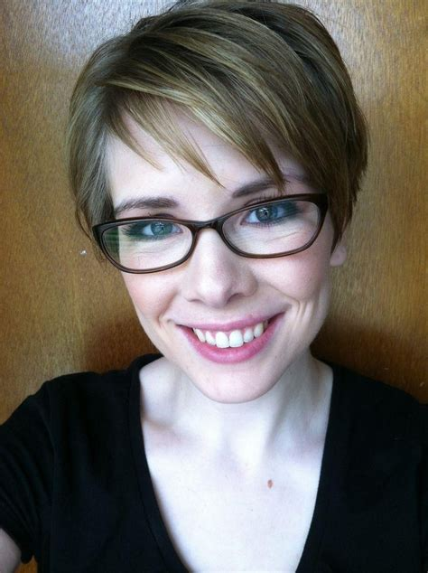 latest pixie haircuts with glasses