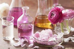 Résultat d'images pour cosmetique rose