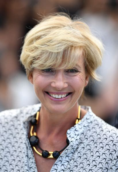emma thompson gorgeous short hairstyles for women over