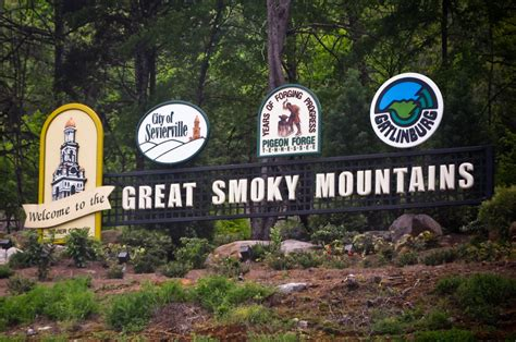 HOW TO PLAN A FAMILY VACATION TO PIGEON FORGE ON A BUDGET