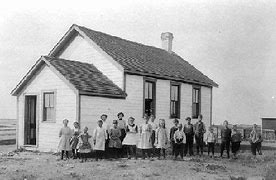 Résultat d'images pour images écoles dans les années 1800