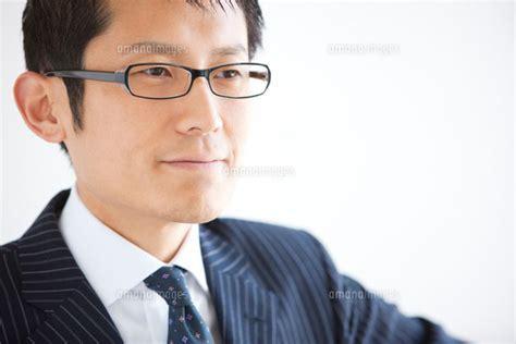 ビジネスマン 眼鏡 フリー素材 に対する画像結果