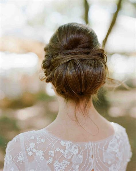 pretty wedding hairstyles for brides with long hair