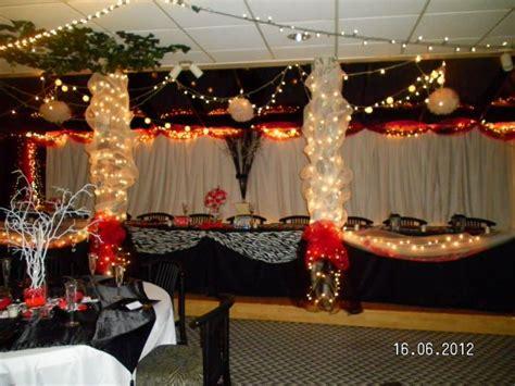 my diy head table backdrop weddingbee photo gallery