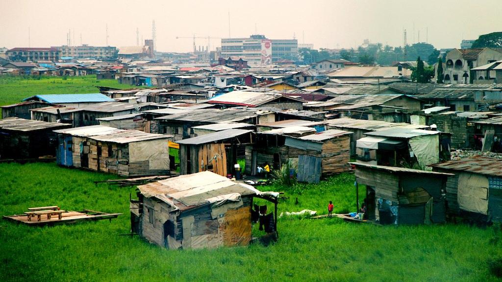 Rd891401844cfad29fd937c224a9e941b?rik=MjwlWGI9DDgKDA&riu=http%3a%2f%2fbillwinters.net%2fwp-content%2fuploads%2f2015%2f01%2fShanty-Town-Lagos-Nigeria.jpg&ehk=mN%2b1RkyyJqcMZl9H8XsWABpU4QEdW2jhhIU6kPFDl8c%3d&risl=&pid=ImgRaw