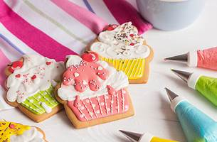 Cookie decorating sets
