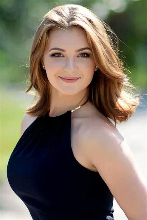 Beautiful Nude Brunette Milf