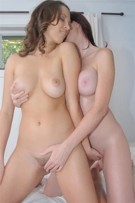 Beautiful Sexy Nude Lesbians