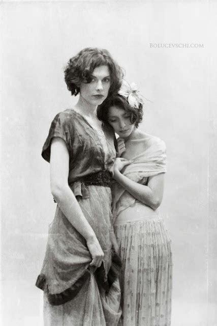 Beautiful Vintage Lesbian Nudes