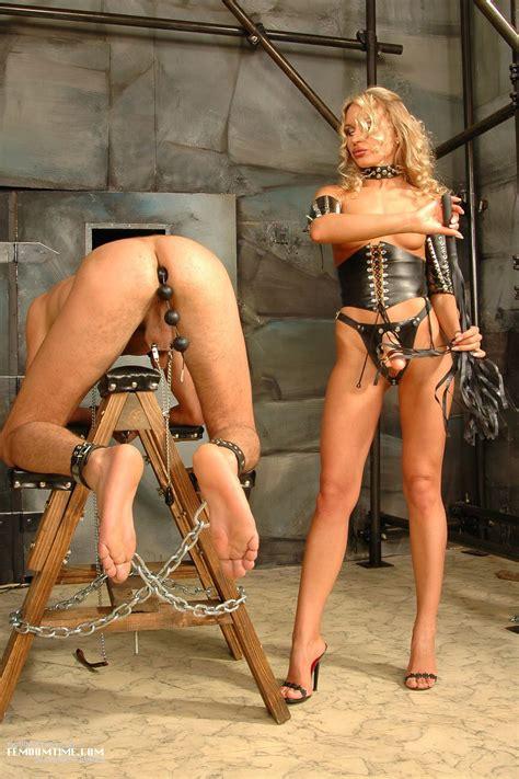 Bondage Femdom Nude