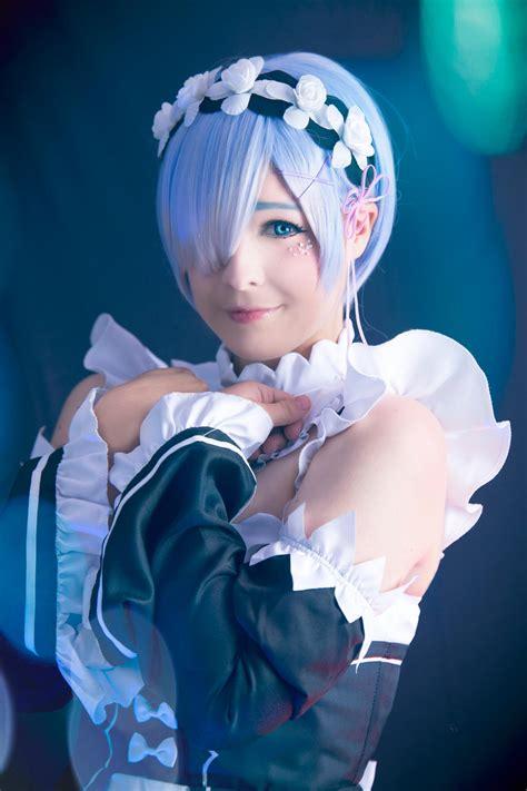 Emilia Re Zero Rem Cosplay