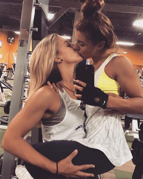 Fit Nude Milfs Lesbian