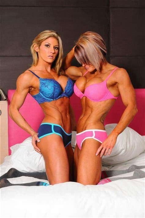 Fit Nude Women Lesbian