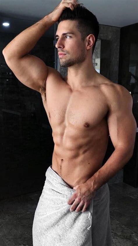 Gay Erotic Male Nudes