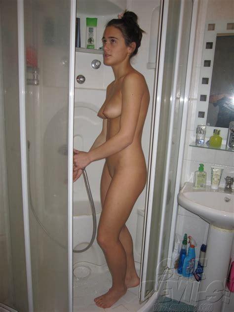 GF Nude Shower