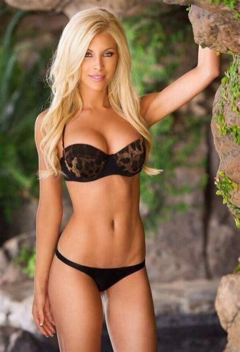 Hard Body Blonde Nude