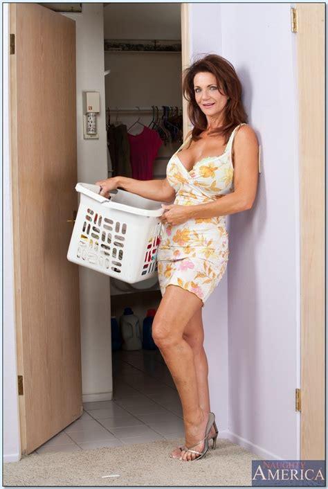 Hot Mature Lesbian Porn