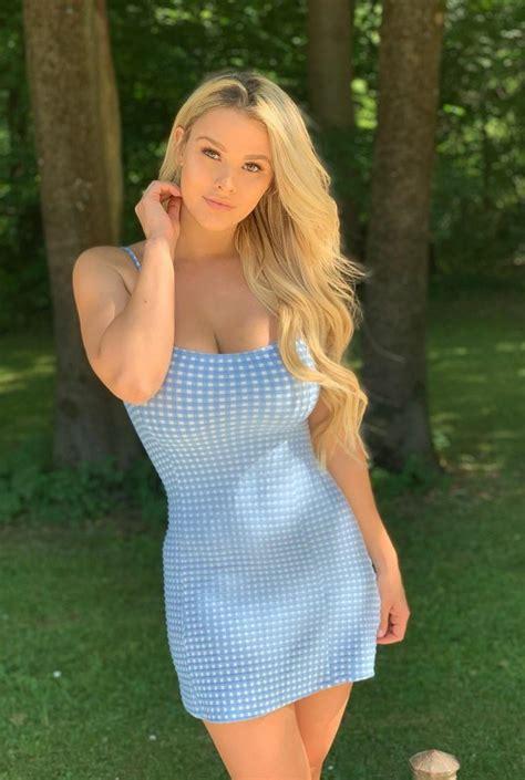 Hot Naked Curvy Milf