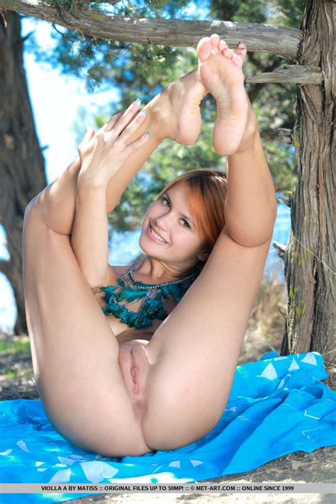 Hot Sexy Vintage Nude Woman Outdoors