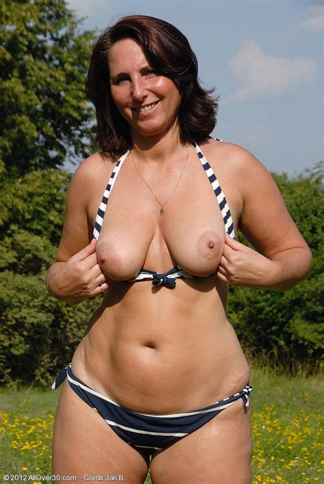 Naked Milfs Nude Outdoors